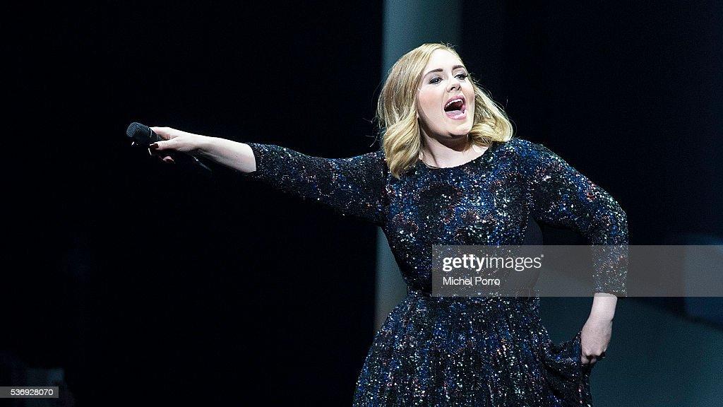 Adele Performs At The Ziggo Dome, Amsterdam : News Photo