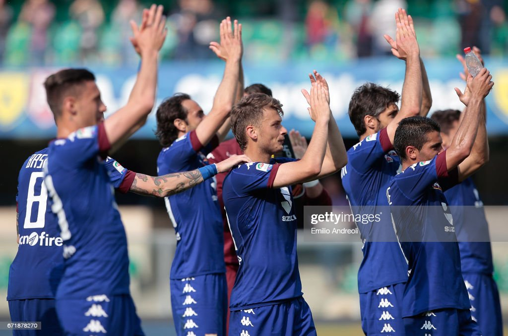 Adem Ljajic of Torino FC (C) salutes the fans with his teammates at the end of the Serie A match between AC ChievoVerona and FC Torino at Stadio Marc'Antonio Bentegodi on April 23, 2017 in Verona, Italy.