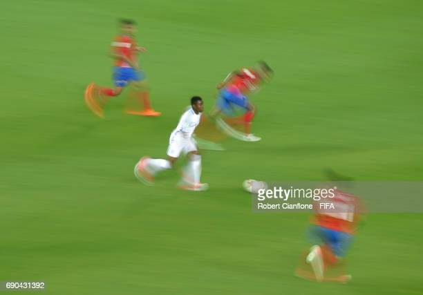 Ademola Lookman of England runs with the ball during the FIFA U20 World Cup Korea Republic 2017 Round of 16 match between England and Costa Rica at...