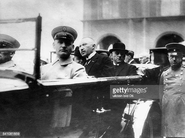 Adenauer, Konrad *05.01.1876-+Politiker, Zentrum, DAdenauer als Oberbürgermeister von Köln mit Reichskanzler Hans Luther und dem preussischen...