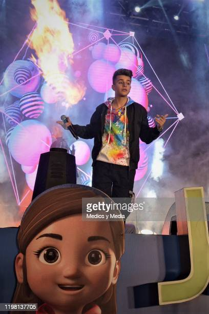 Adexe Gutierrez of the spanic duet Adexe and Nau performs during a concert as part of the 25th anniversary of Juguetón at Azteca Ajusco on January 6...