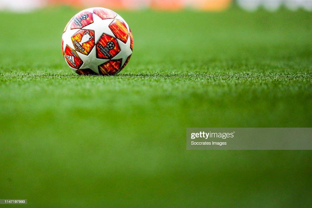 Training Tottenham Hotspurs : News Photo