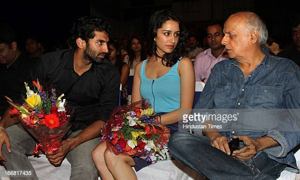 Aditya Roy Kapur Shraddha Kapoor and Mahesh Bhatt at Press conference of upcoming film Aashiqui 2 at Laxmi Studious Film City on April 15 2013 in...