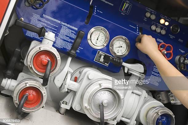 Adjusting the gauges