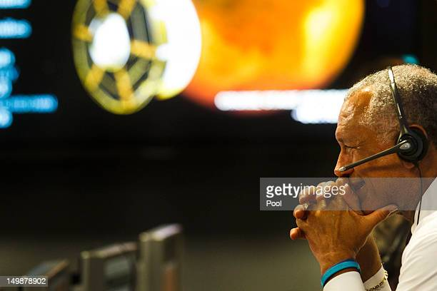 Administrator Charles Bolden smiles as the rover begins its decent to the surface of mars, inside the Spaceflight Operations Facility for NASA's Mars...