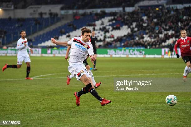 Admir Mehmedi of Bayer Leverkusen scores his team's equalizing goal to make it 22 during the Bundesliga match between Hannover 96 and Bayer 04...