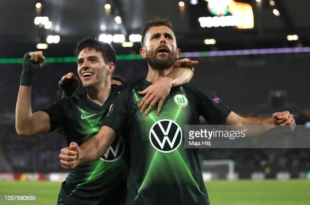 Admir Mehmedi of VfL Wolfsburg celebrates with Josip Brekalo of VfL Wolfsburg after scoring his team's second goal during the UEFA Europa League...