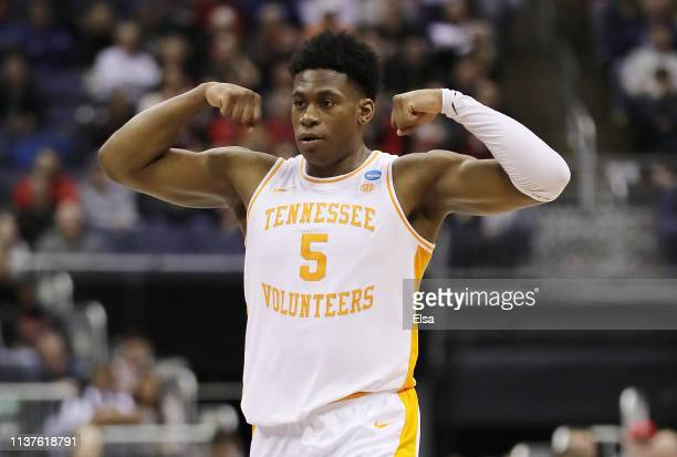 Admiral Schofield of the Tennessee Volunteers reacts during the first half against the Colgate Raiders in the first round of the 2019 NCAA Men's...