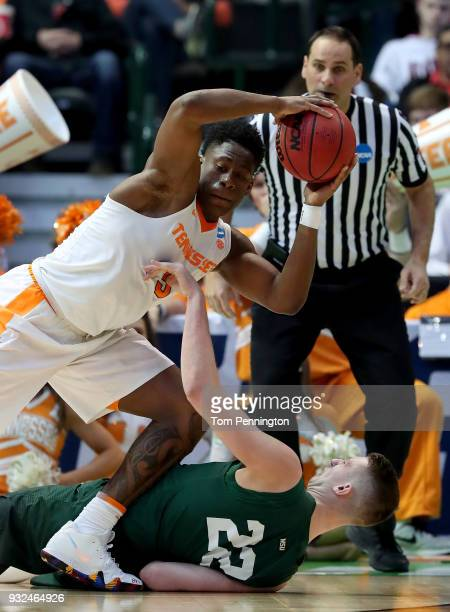 Admiral Schofield of the Tennessee Volunteers with the ball against Parker Ernsthausen of the Wright State Raiders in the first half in the first...
