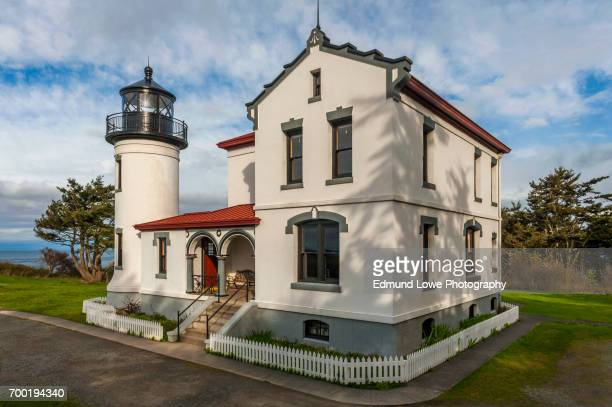 admiralty head lighthouse, fort casey, washington - state park stock pictures, royalty-free photos & images