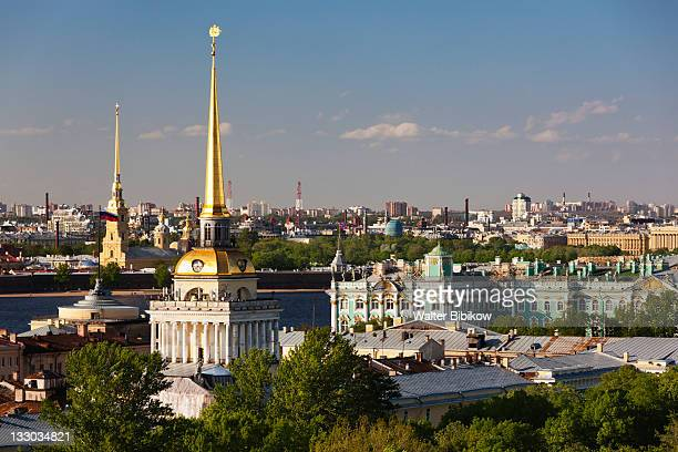 admiralty & hermitage museum - st. petersburg russia stock pictures, royalty-free photos & images