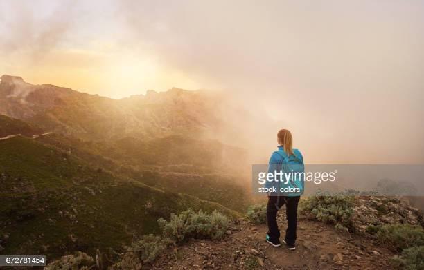 bewundern Sie erstaunliche Bergblick auf Teneriffa