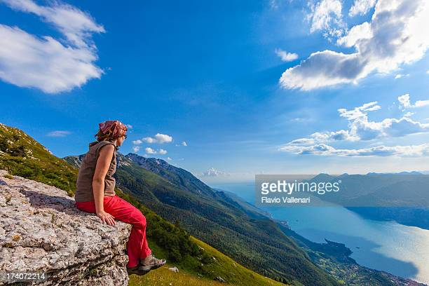 ガルダ湖の眺め - ヴェネト州 ストックフォトと画像