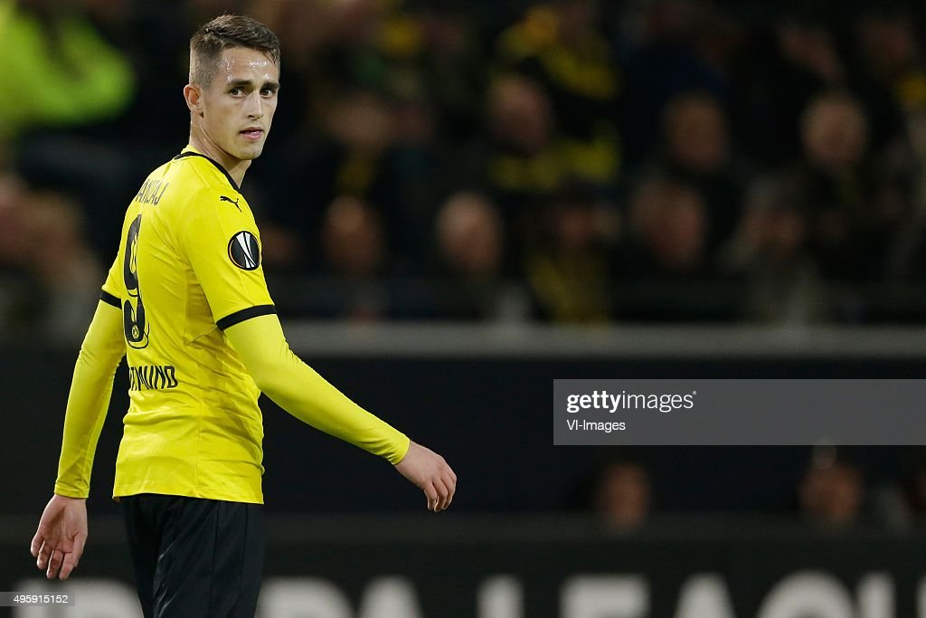"Europa League - ""Borussia Dortmund v Qäbälä FK"" : News Photo"
