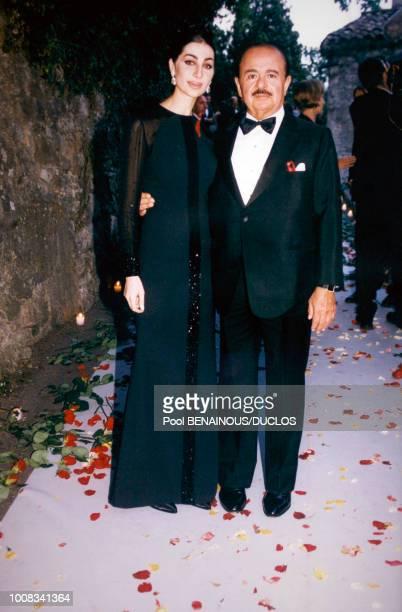Adnan Khashoggi et son épouse Shahpari lors de la soirée amfAR le 21 mai 1998 à Mougins France