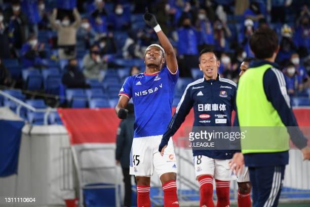 Ado ONAIWU of Yokohama F・Marinos with his team mates celebrates scoring his side's first goal during the J.League Meiji Yasuda J1 match between...
