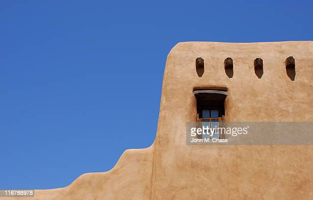 adobe building, santa fe - southwest usa stock pictures, royalty-free photos & images
