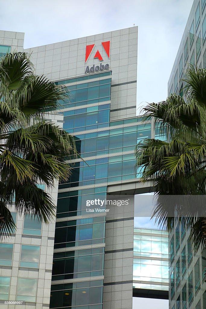 Company Signs : News Photo
