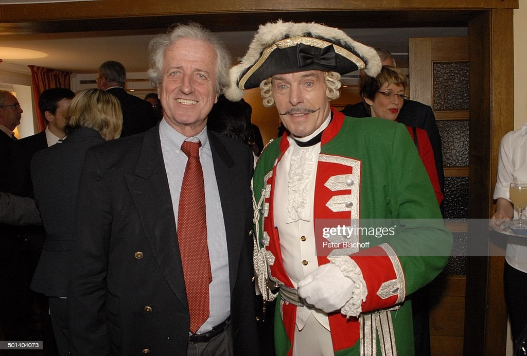 """Adolf Hahn (seit 34 Jahren als """"Baron Karl Friedrich Hieronymus Freiherr von Münchha : News Photo"""