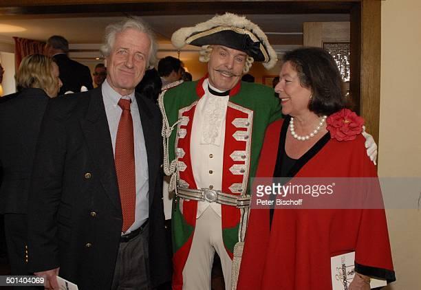 Adolf Hahn Baron Matthias Freiherr von Münchhausen und Ehefrau Baronin Gabriele Freifrau von Münchhausen Eintrag ins Goldene Buch der Stadt von...
