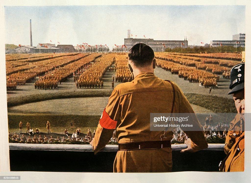 Adolf Hitler Nazi Troops Portrait : News Photo
