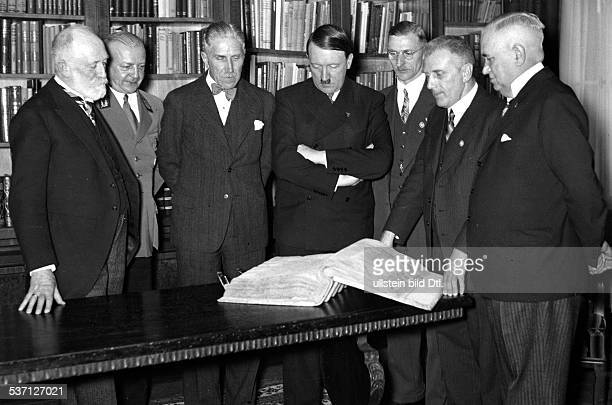 Adolf Hitler at the Bayerische Staatsbibliothek at the event of the handing over of the historic Book of Chronicles by Heinrich von Muenchen...