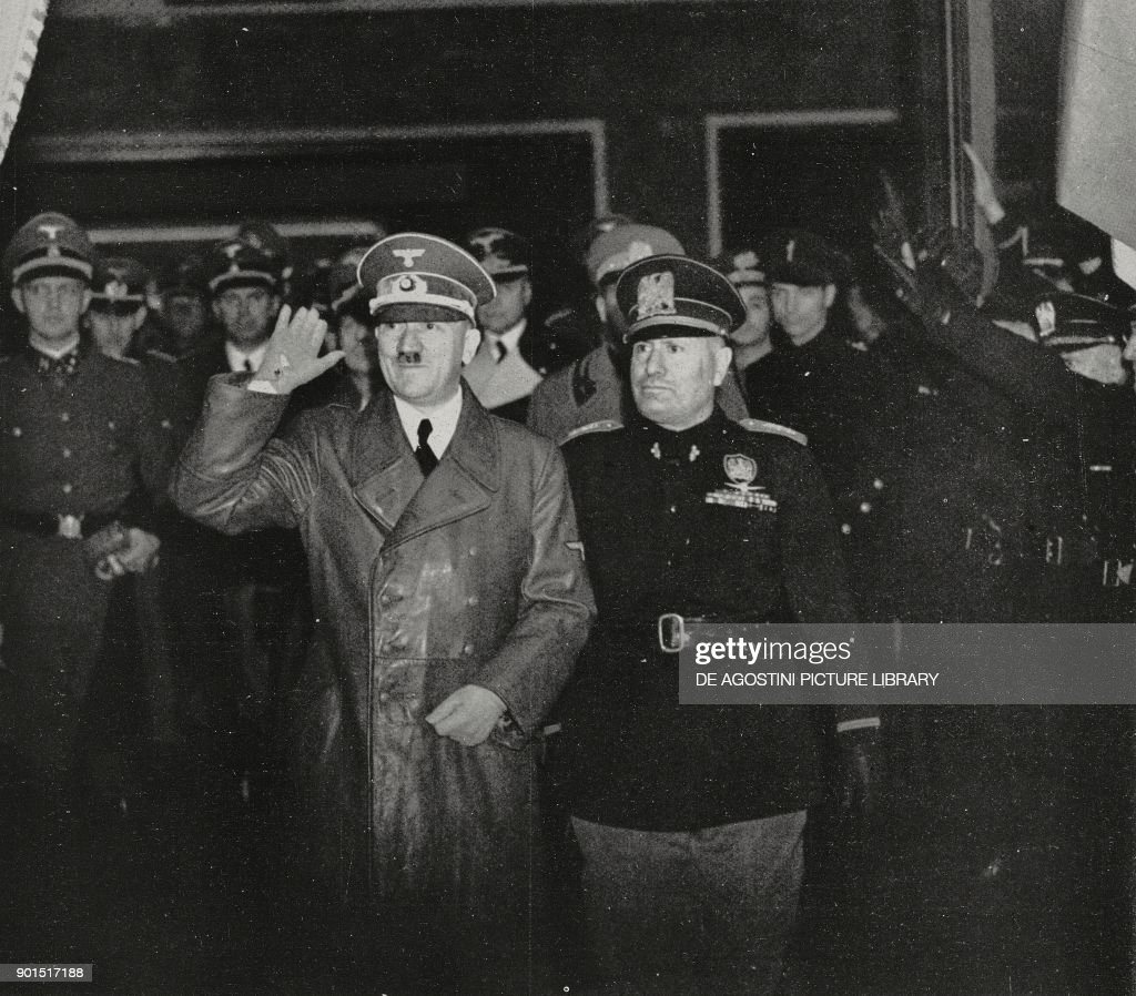 Hitler being received by Mussolini in Florence : News Photo