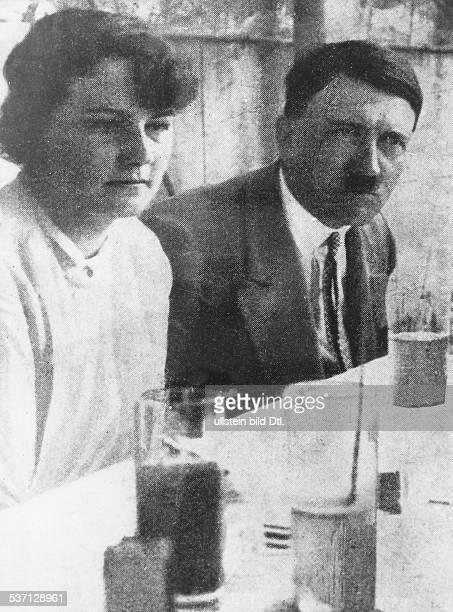 Adolf Hitler, , Politiker, NSDAP, D, - mit seiner Nichte Angela , Raubal am Kaffeetisch