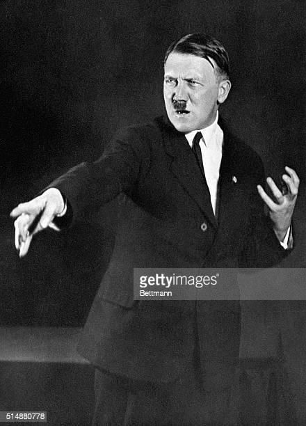 6/16/1941 Adolf Hitler speaking poses Waist up