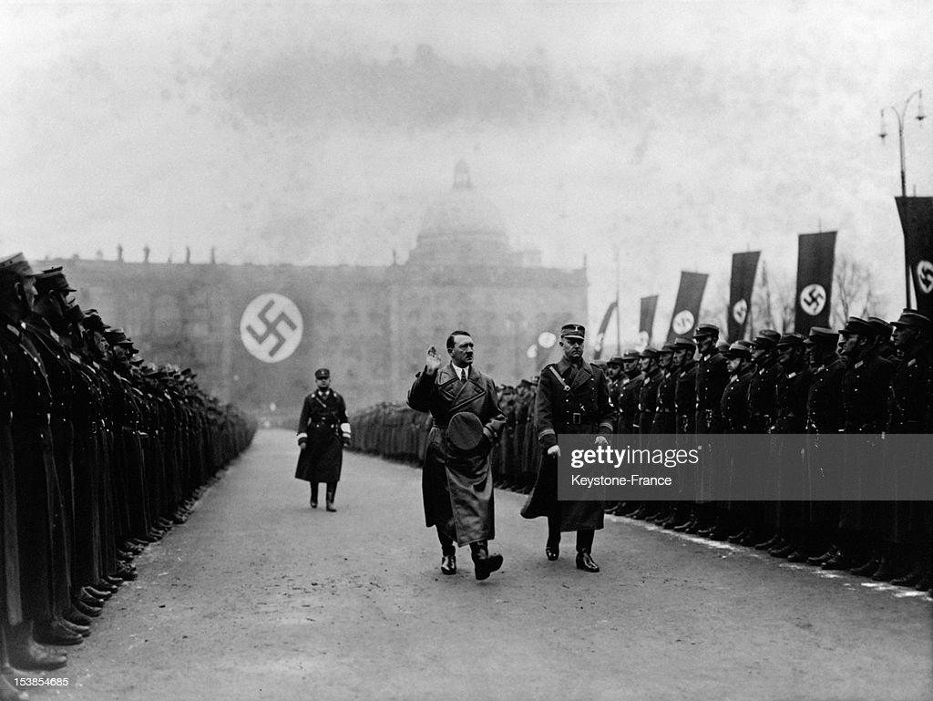 Adolf Hitler And Viktor Lutze : Foto jornalística