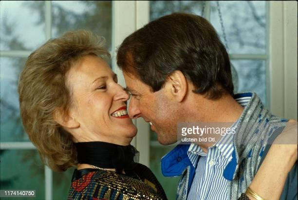 Adolf Ogi mit seiner Ehefrau Katrin, 1987