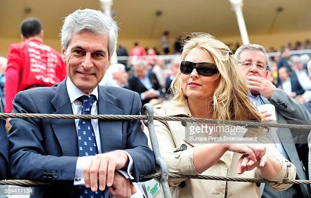 Adolfo Suarez Illana and his wife Isabel Flores attend bullfighting during San Isidro Fair at Las Ventas Bullring on May 25 2016 in Madrid Spain