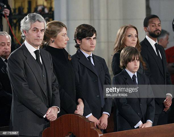 Adolfo Suarez Illana his wife Isabel Flores their sons Adolfo y Pablo Sonsoles Suarez Illana and her partner Wilson attend the funeral ceremony for...