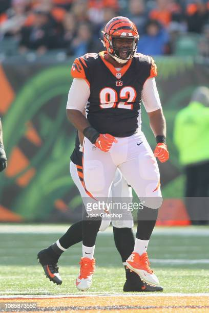 Adolphus Washington of the Cincinnati Bengals celebrates a defensive stop during the game against the Tampa Bay Bucccaneers at Paul Brown Stadium on...