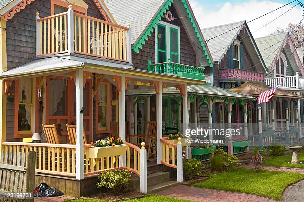 adorable cottages with brightly painted trim - marthas vineyard stock pictures, royalty-free photos & images