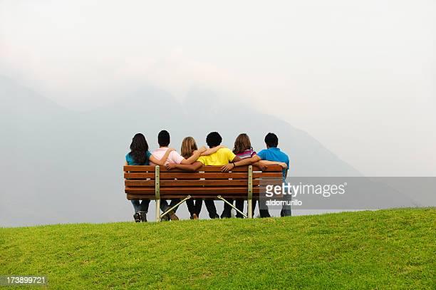 Hübsche Gruppe von Freunden