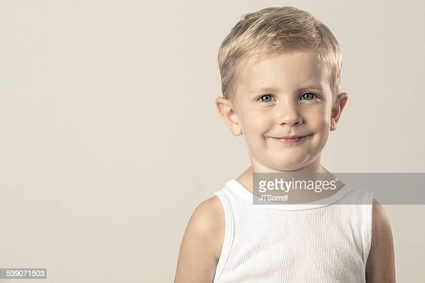 adorable petit garçon - débardeur photos et images de collection