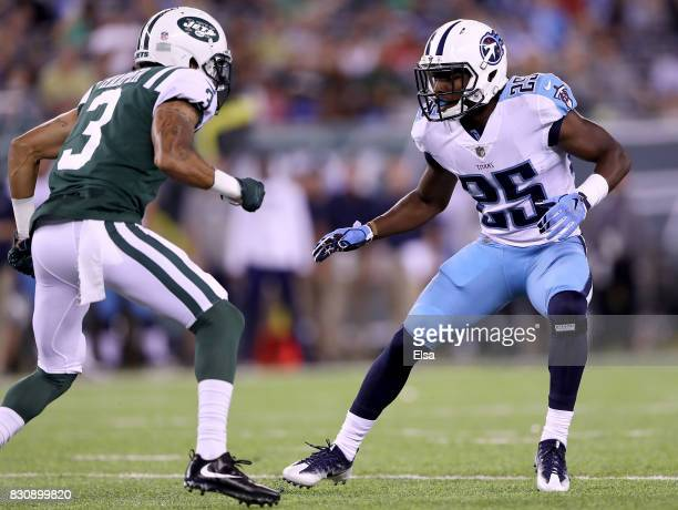 Adoree' Jackson of the Tennessee Titans defends Chris Harper of the New York Jets in the first half during a preseason game at MetLife Stadium on...
