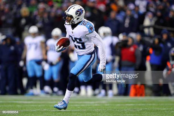 Adoree' Jackson of the Tennessee Titans runs the ball during the AFC Divisional Playoff game against the New England Patriots at Gillette Stadium on...