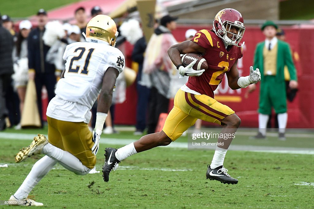 Adoree' Jackson #2 of the USC Trojans carries the ball for a touchdown in the third quarter against the Notre Dame Fighting Irish at Los Angeles Memorial Coliseum on November 26, 2016 in Los Angeles, California.