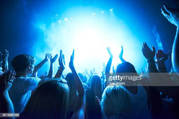 adoring fans - club dj stock pictures, royalty-free photos & images