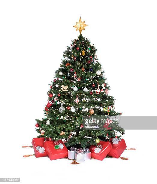 adornada árvore de natal com ornamentos e presentes em branco, copyspace - estrelas de natal imagens e fotografias de stock