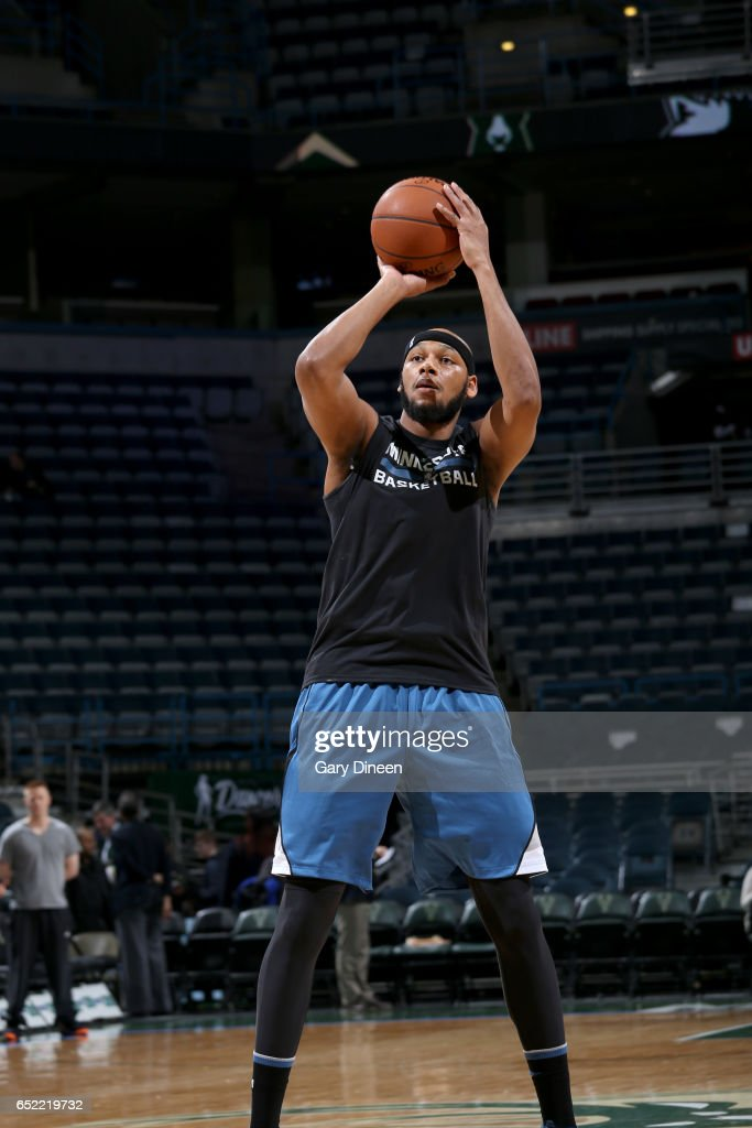 Adreian Payne #33 of the Minnesota Timberwolves warms up before the game against the Milwaukee Bucks on March 11, 2017 at the BMO Harris Bradley Center in Milwaukee, Wisconsin.
