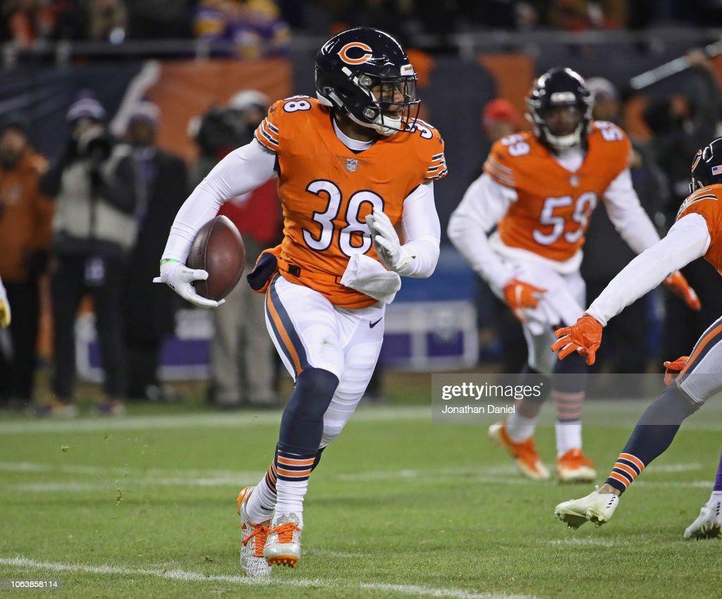 Adrian Amos of the Chicago Bears returns an interception