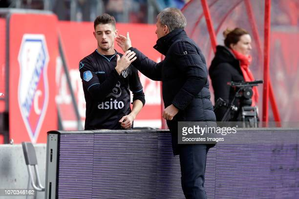 Adrian Dalmau of Heracles Almelo coach Frank Wormuth of Heracles Almelo during the Dutch Eredivisie match between FC Utrecht v Heracles Almelo at the...
