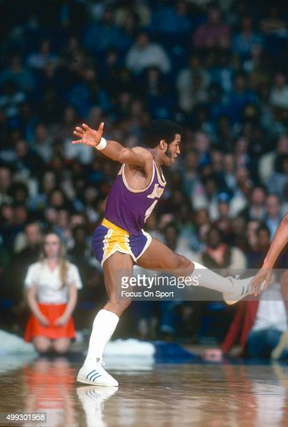 Adrian Dantley of the Los Angeles Lakers in action against the Washington Bullets during an NBA basketball game circa 1978 at the Capital Centre in...