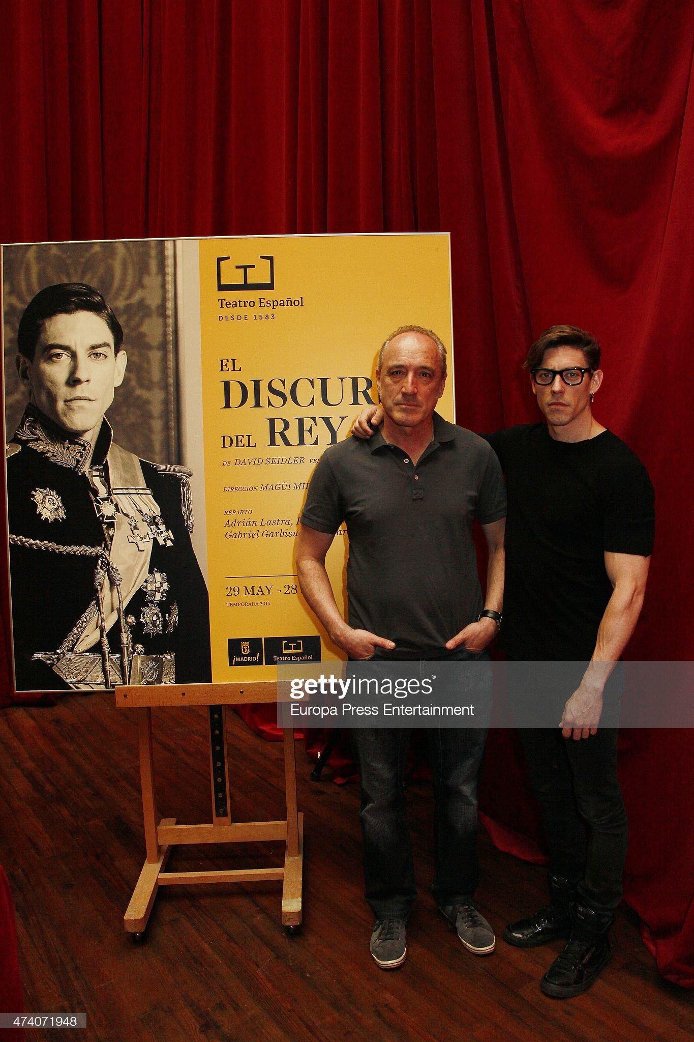 ¿Cuánto mide Roberto Álvarez? (Actor) - Altura Adrian-lastra-and-roberto-alvarez-present-el-discurso-del-rey-play-at-picture-id474071948?s=2048x2048