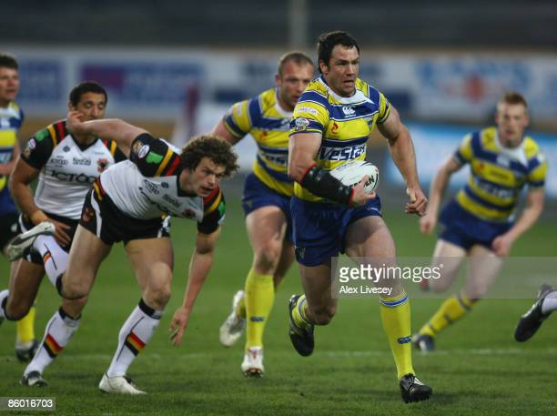 Adrian Morley of Warrington Wolves runs at the Bradford Bulls defence during the engage Super League match between Bradford Bulls and Warrington...
