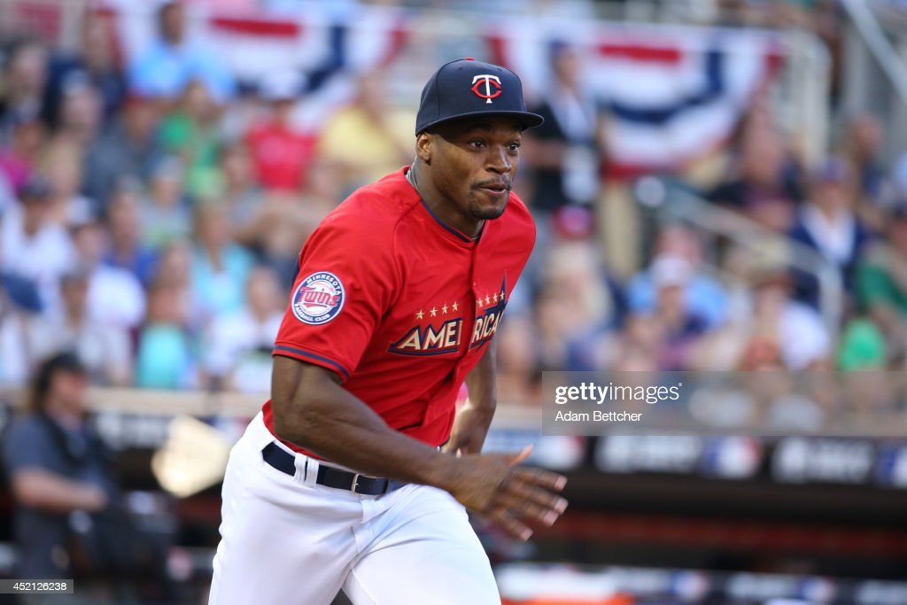 Adrian Peterson at the 2014 MLB All-Star legends and celebrity softball game on July 13, 2014 at the Target Field in Minneapolis, Minnesota.