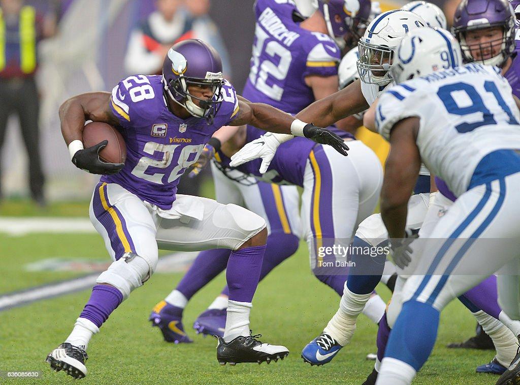 Indianapolis Colts v Minnesota Vikings : News Photo